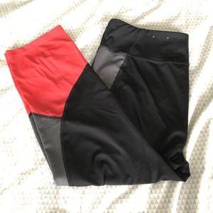 tek gear Pants - Color-Block Workout Capris